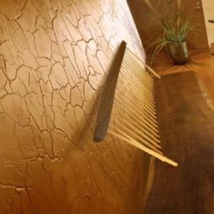 пример отделки кирпичной стены декоративной штукатуркой