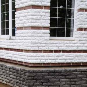 облицовка фасада дома рваным кирпичом