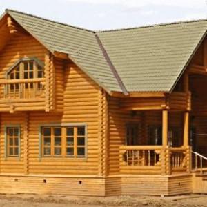 дом из деревянных бревен