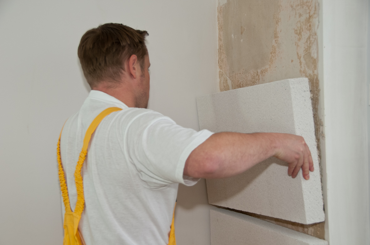 Как утеплить стену дома своими руками