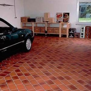 керамогранитная плитка в гараже фото