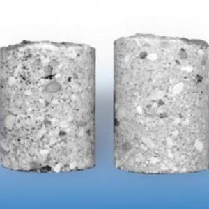 сравнение образцов бетона без пластификатора и с его применением