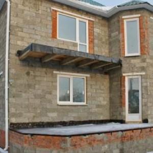 дом построеный из арболита