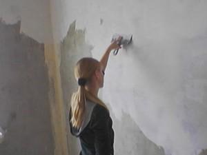 Грунтовка стены перед покраской