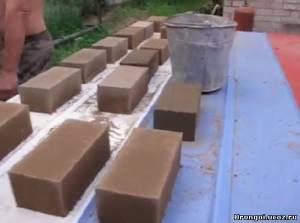 процесс наполнения форм материалом