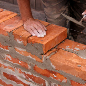 кладка кирпичной стены