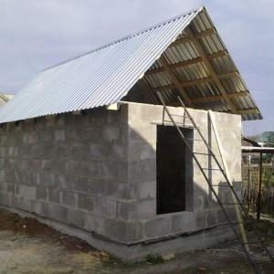 Делаем крышу в бане из шлакоблоков