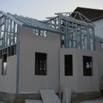 Плюсы и минусы каркасных домов из металлопрофиля